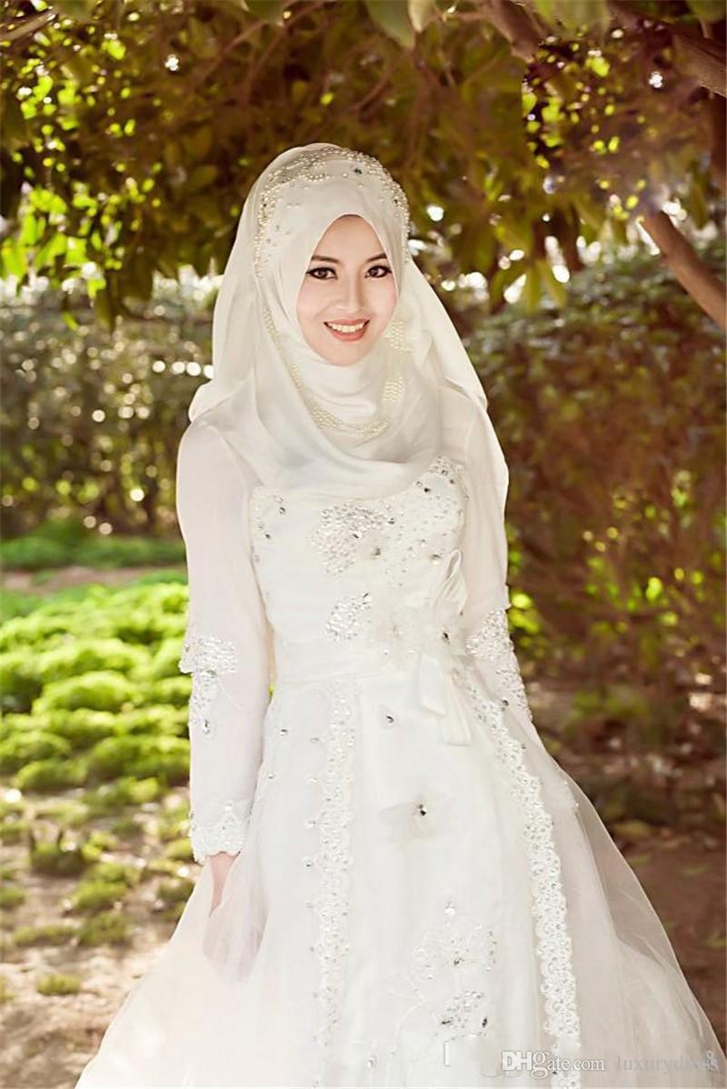 بالصور فساتين زفاف محجبات , اجدد تفصيلات وتصاميم فساتين الافراح 1998 3