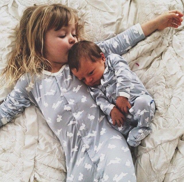 صور اجمل الصور عن الاخ والاخت , صور عن الاخوة روعة