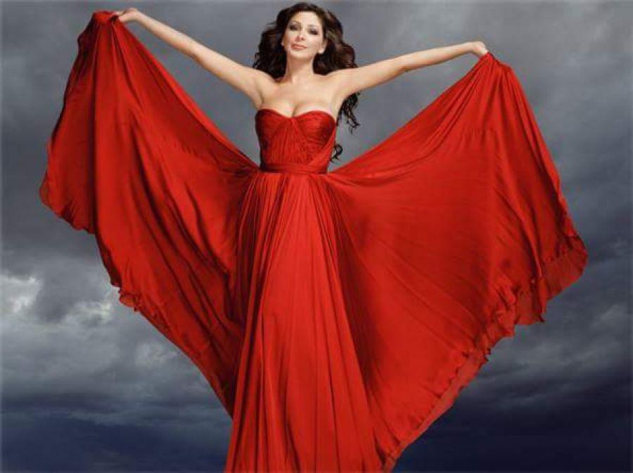 صوره فساتين اليسا , اجمل تصاميم لفساتين المشاهير