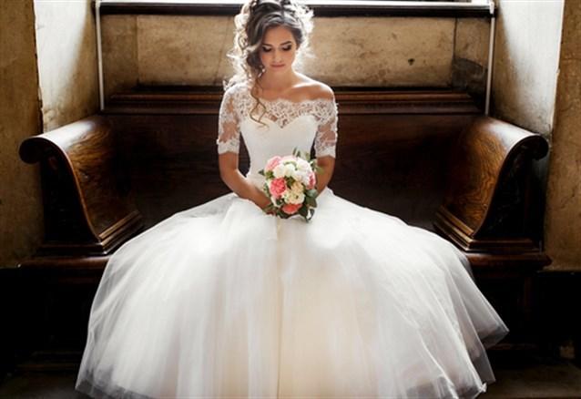 صور حلمت اني لابسه فستان ابيض وانا متزوجه , تفسير لبس فستان العرس للمتزوجة