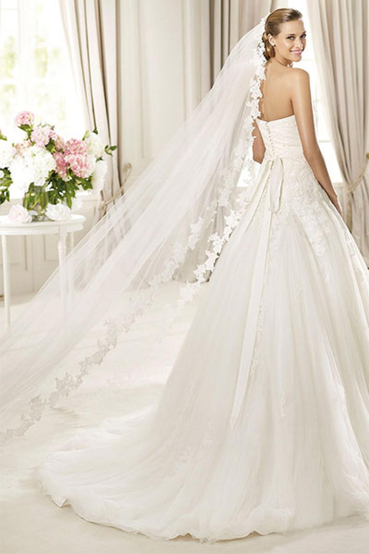 صورة صور عن العروس , بالصور البومات العرس من الاساسيات 3452 1