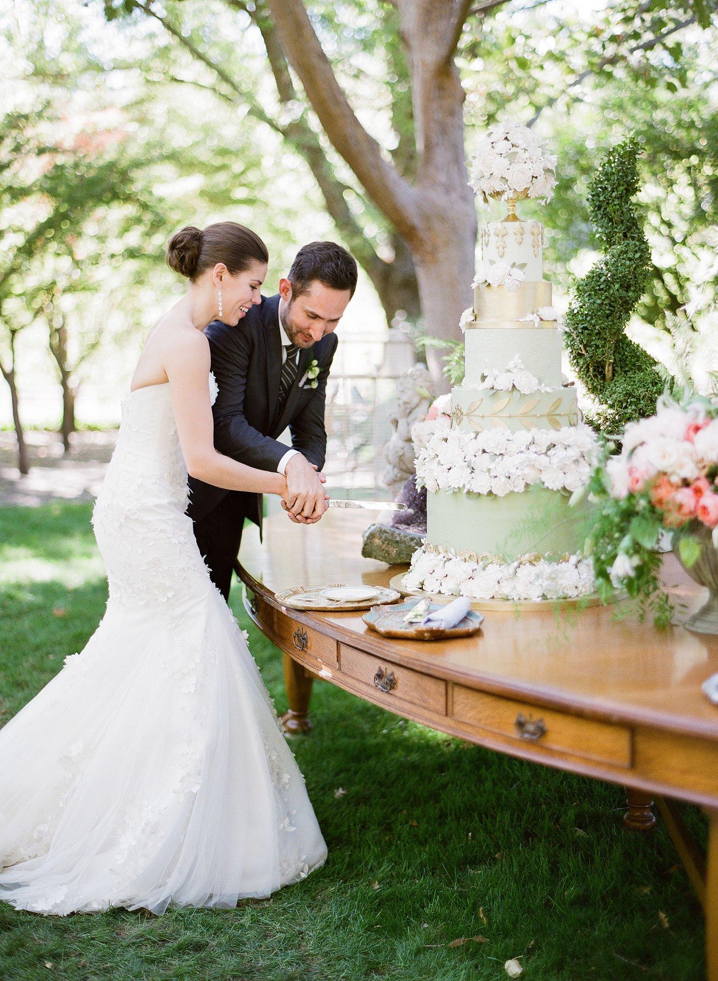 صورة صور عن العروس , بالصور البومات العرس من الاساسيات 3452 8