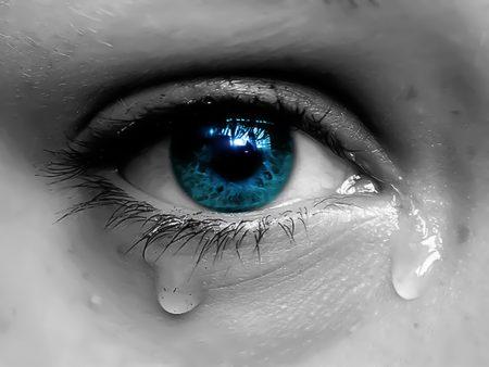 بالصور صور عيون تدمع , اجمل صورة دموع 3985 2