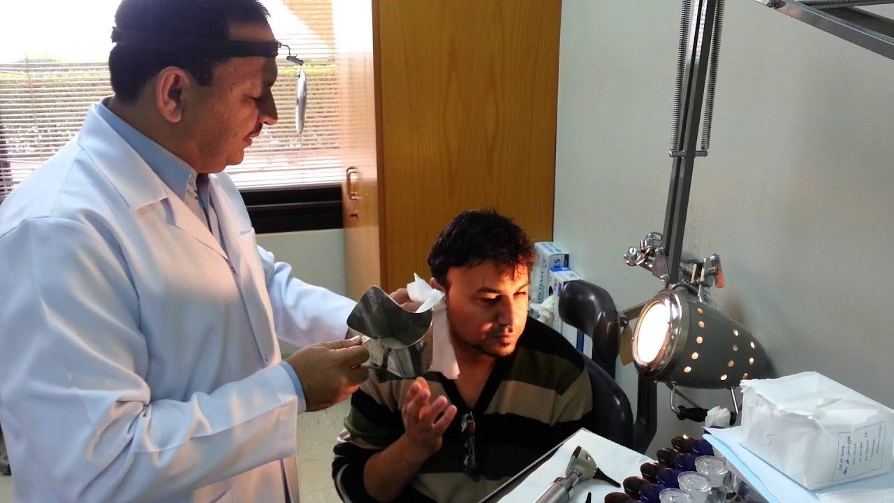 صور تنظيف الاذن عند الطبيب , اسهل الطرق للتخلص من شمع الاذن