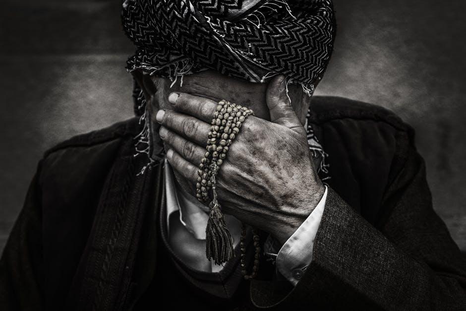 بالصور اجمل الصور الحزينة للرجال , الحزن عند الرجال 904 7
