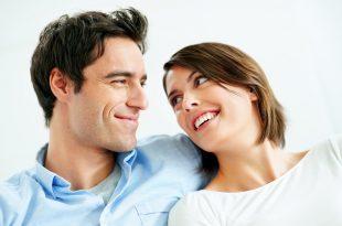 صورة كيف تجعلين صديقتك تحبك بجنون , اجمل شئ الصداقة التى تتحول الى حب