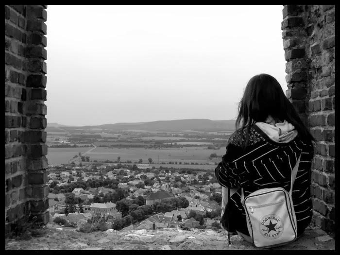 صور صور فتاة حزينة , صور جميله فتاة حزينة