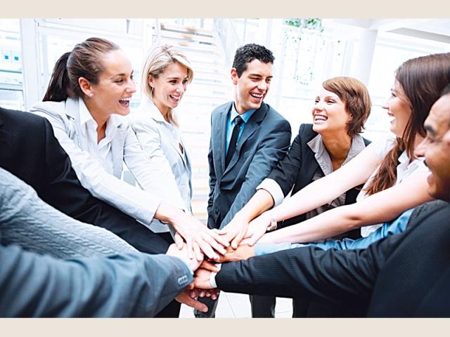 صورة نصائح لبناء علاقات جيدة , الابتسامه سر لبناء علاقات قوية