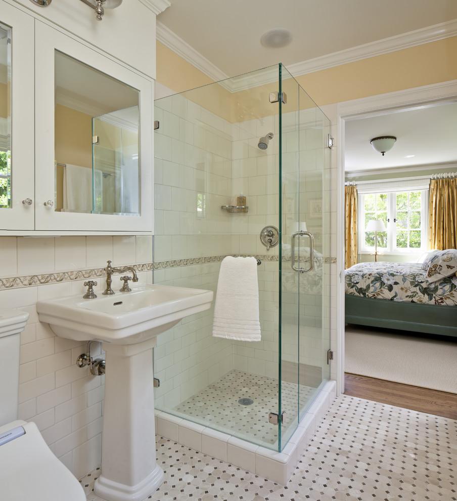 صورة لو عاوزة حمامك شيك تعالى اتفرجى على التصميم ,حمامات غرف النوم